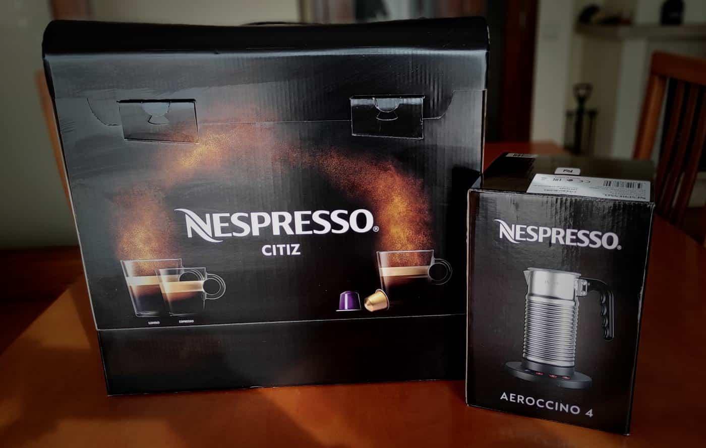Máquina de café Nespresso e Aeroccino oferecidas na compra de cápsulas