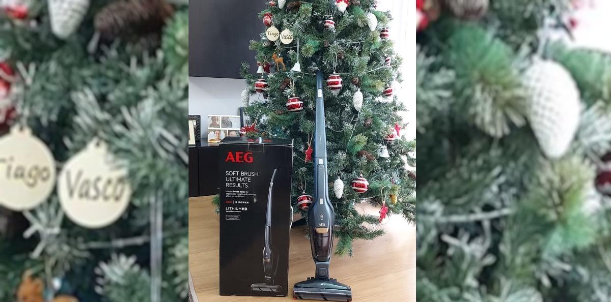 Aspirador Vertical AEG QX8 X Power 2 em 1