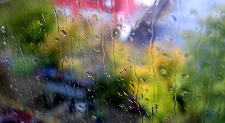chuva-no-vidro