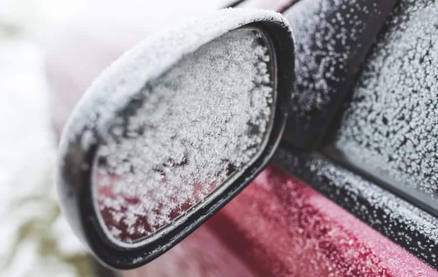 Gelo nos vidros do carro